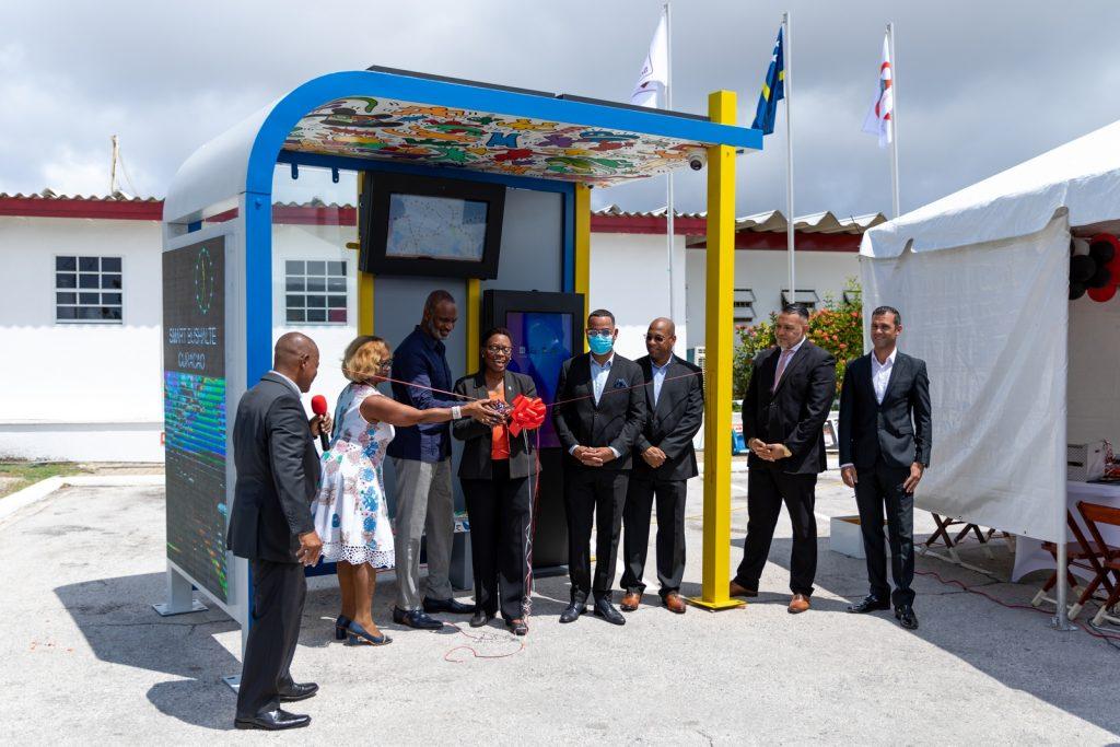smart-bus-stop-opening
